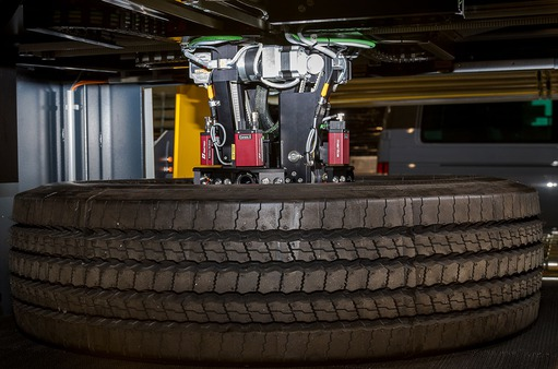 Application story: Carl Zeiss Optotechnik tyre inspection systems - Inspection process